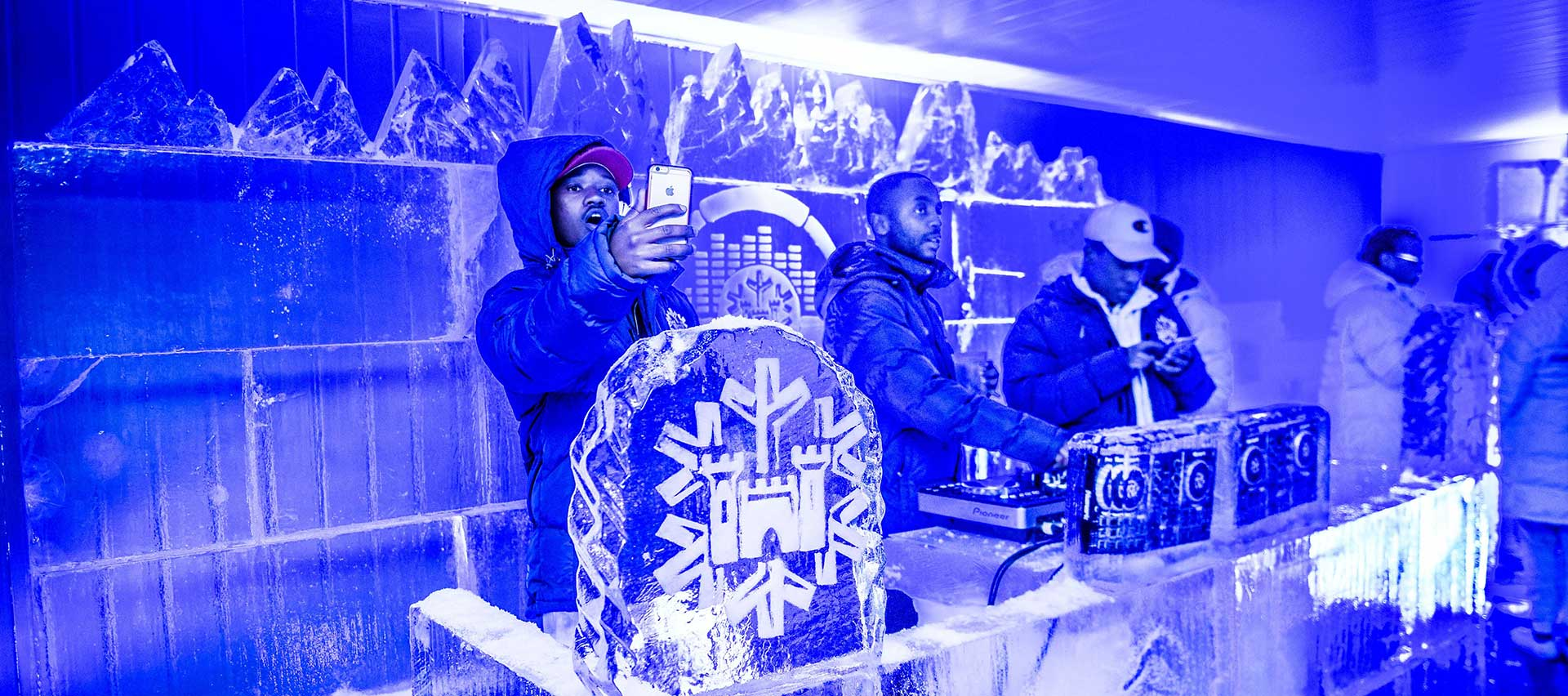 Castle-Lite-Ice-Art-Campaign-x2