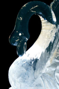 swan-ice-wedding-centerpiece
